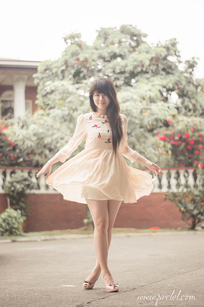 eggshell rose romwe dress
