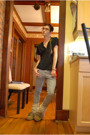 gray H&amp;M pants - gold Aldo accessories - brown SoftMocs shoes