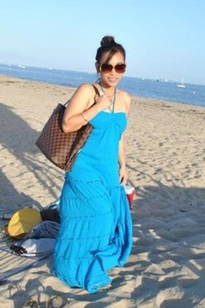Forever21 Maxi dress - Louis Vuitton Neverfull MM bag - Old Navy  - 400 x 600  56kb  jpg