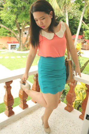 light orange top - teal bodycon skirt - nude pumps