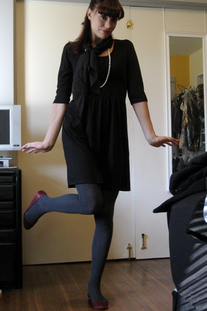 black Urban Outfitters dress - red Urban Outfitters shoes - gray Gap tights - bl