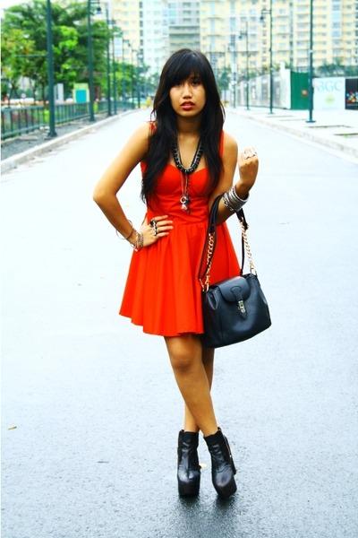 red corset dress - black bag - black platform Soul Phenomenon wedges