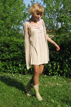 beige Hunter boots - beige Urban Outfitters tights - beige Guess dress - beige M