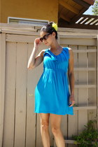 blue dress - white heels - yellow H&M accessories