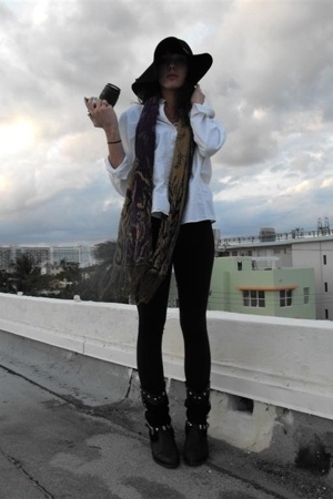 floppy H&M hat - thrifted white collared tee - aa black winter leggings - Vintag