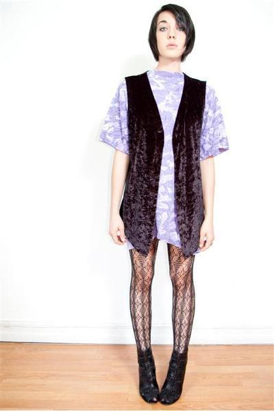 velour vest - tie dye oversized top - calvin klein tights - sam edleman shoes