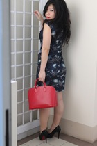 blue bangkok dress - red LV purse - black pedder red shoes