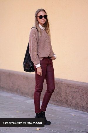 Brick-red-pants