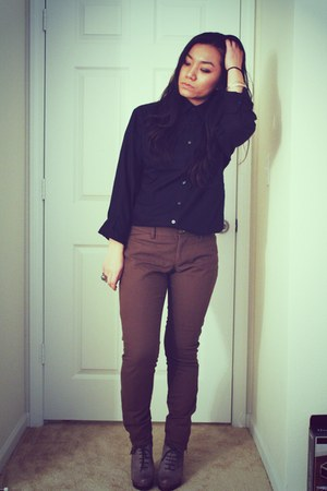 charcoal gray sam edelman boots - black Target top - olive green Old Navy pants