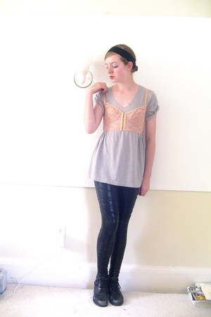 DIY accessories - t-shirt - Urban Outfitters bra - Urban Outfitters leggings - t