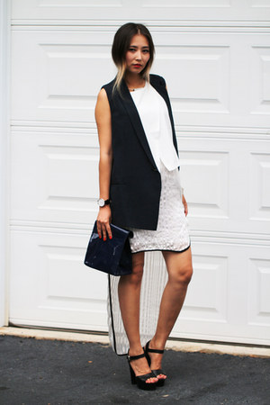 navy yesimfrench bag - white younghungryfree top - navy blackfive vest