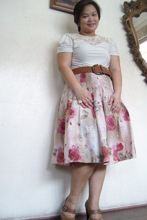 pink thrifted floral printed skirt - off white sm dept store floral lace top - t