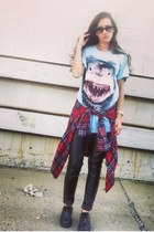 red thrift blouse - black Forever 21 pants - light blue vintage t-shirt