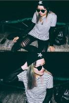 black baphomet beanie ivory jar hat - black leggings - white cotton on shirt