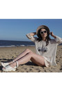 Neutral-shell-oasap-sweater-black-pearl-zerouv-sunglasses