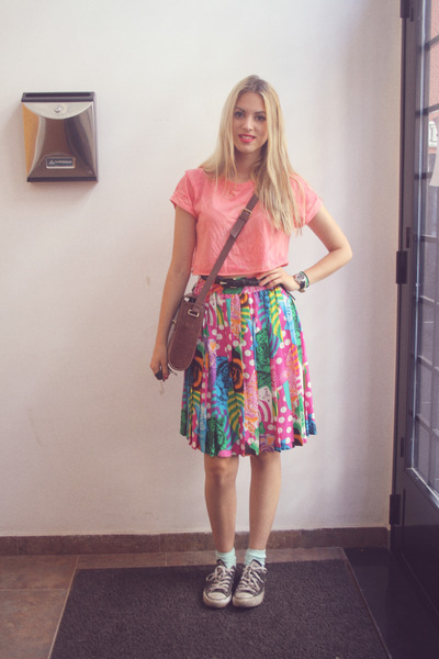 thrifted vintage skirt - Adolfo Dominguez bag - DIY top - Converse sneakers