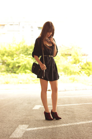 black SUPRÉ dress - ruby red animal print asos boots - black chicnova bag