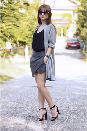 gray OASAP shorts - black Yoyomelody sunglasses - black OASAP top