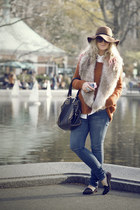 black Topshop flats - blue Primark jeans - brick red H&M hat - white H&M blouse