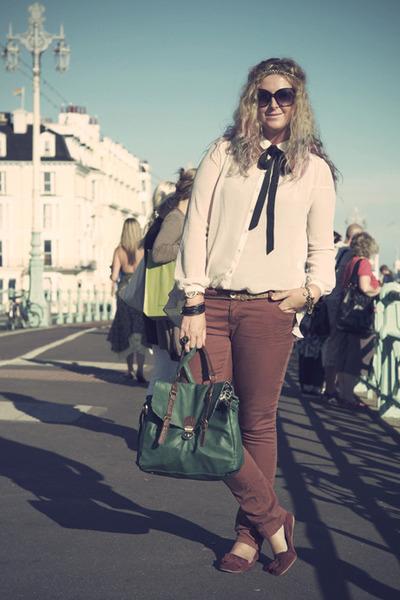 dark green satchel Primark bag - brick red Primark jeans
