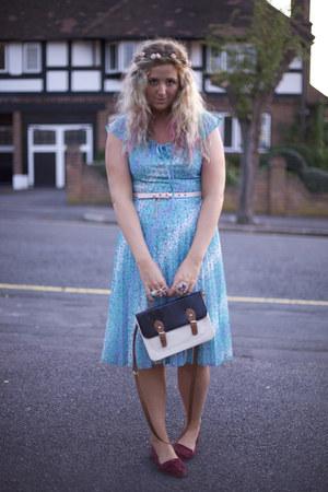 sky blue pleated vintage dress - navy satchel Primark bag