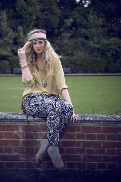 black H&M pants - yellow thirfted blouse - beige Primark shoes - silver Primark