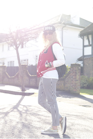 red baseball Primark jacket - black baseball cap Ebay hat