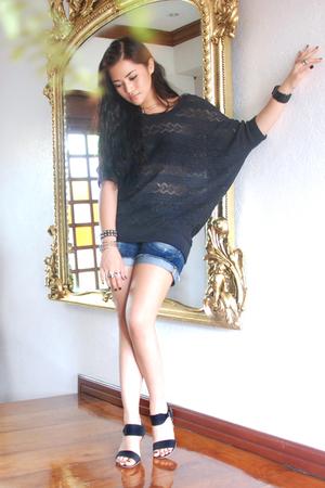 Topshop top - Zara shorts - Zara shoes - Guess accessories