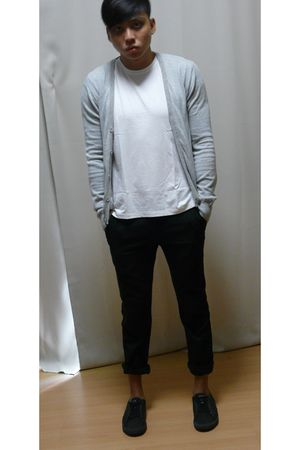 Uniqlo shirt - neu look cardigan - grey hound pants - Zara shoes
