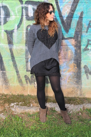 black skirt - gray cardigan