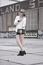 Ivory-zara-sweater-black-vintage-shorts