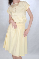 Light-yellow-unknown-brand-dress