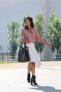 Pink-vintage-blouse-beige-jasmin-shokrian-skirt-brown-betsey-johnson-purse-