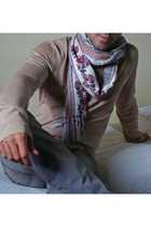 sweater - jeans - scarf