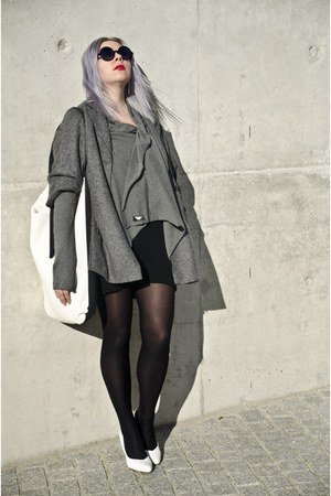gray second hand coat - off white agalospl bag - heather gray by insomnia blouse