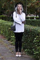 black vintage hat - off white Secondhand sweater - black vintage bag