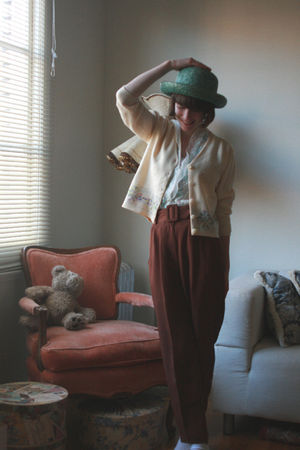 green vintage from Goodwill hat - beige vintage cardigan - green Forever 21 blou