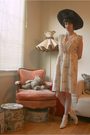 black vintage hat - beige vintage dress - white American Apparel socks - gold vi