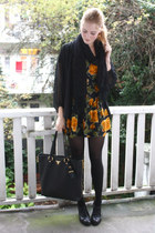 Ocre roses and sheer black