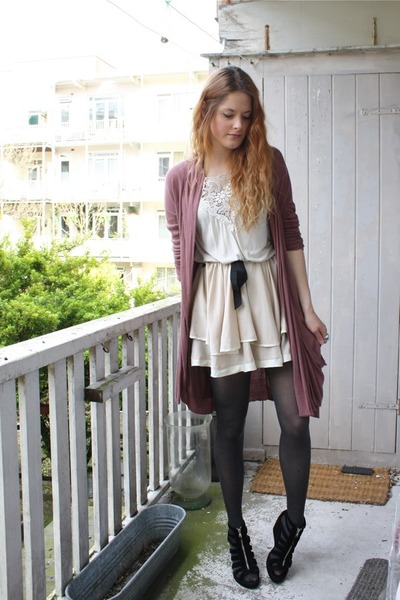 white H&M top - black H&M shoes - beige Topshop skirt - brown elle cardigan