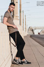 Heather-gray-7-diamonds-shirt-black-zara-pants-navy-new-balance-sneakers