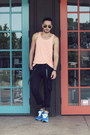 Salmon-tank-forever21-shirt-black-aviator-ray-ban-sunglasses