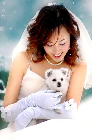 white dress - white long gloves