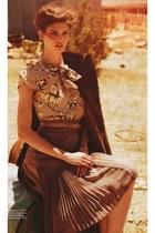 brown skirt - neutral top - nude belt