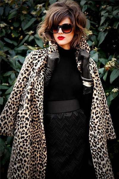 light brown Faux fur coat - black lace pencil high waist skirt