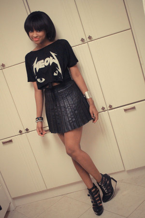 Filthy Magic skirt - meow tee UNIF t-shirt - clinic Jeffrey Campbell wedges