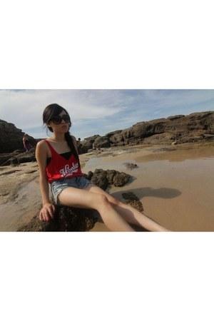 Pandora bracelet - One Teaspoon shorts - Tiffany necklace - Henleys top