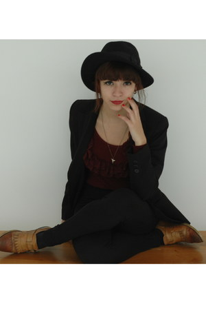 black H&M Trend hat - maroon vintage sweater - black Zara pants