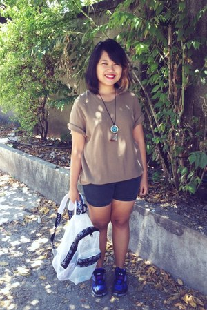 thrifted shirt - net backpack bag - crissa shorts - dreamcatcher necklace