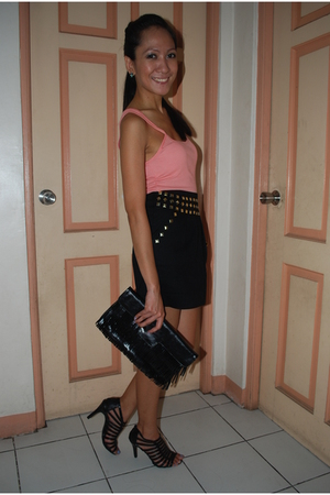 black Parisian shoes - pink abercrombie and fitch top - black Pink Manila skirt